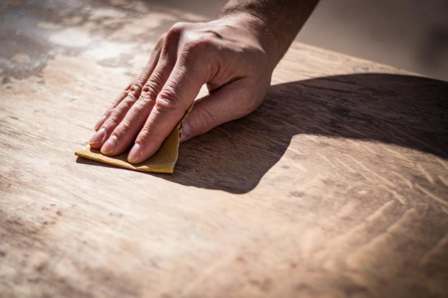 Comment céruser un meuble en bois